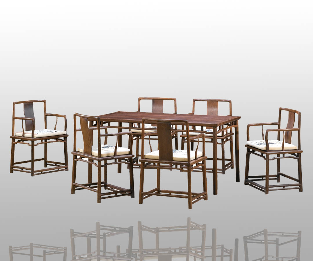 占地面积:7(平方米)  ·产品描述: 桌子通体圆材,四腿直接桌面,腿间