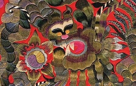 百鸟朝凤,海生动物等是常见的刺绣题材.