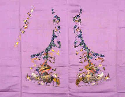 花纹按紧身样式设计,每两幅纹样对称
