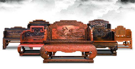 通过连天红成熟的生产工艺,以珍贵红木,深色名贵硬木与真丝布艺刺绣为