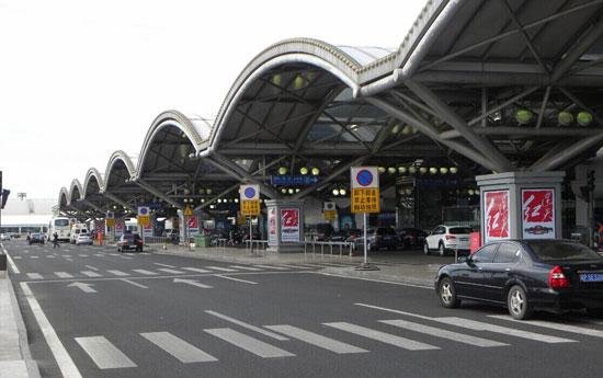 连天红广告强势登陆北京首都国际机场